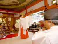 地主神社 もみじ祭