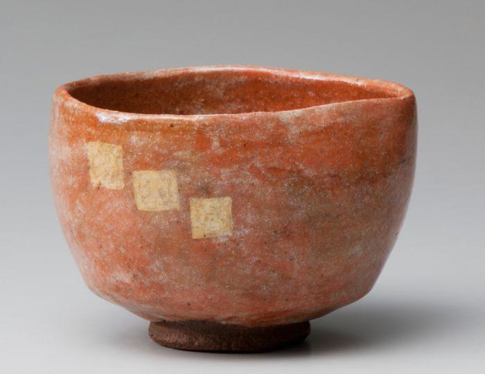 樂美術 夏期展 樂焼って何だろう? RAKU WARE – One of the Most Traditional Japanese Ceramics –