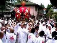 まいまい京都 【瀧尾神社】泉涌寺へ神輿突入、僧侶が読経!神仏習合の神幸祭を追う