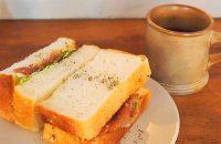 コーヒーにあう、コーヒーと楽しむ 渋系ロースターで味わうサンドイッチ コーヒー焙煎所「旅の音」さんへ。