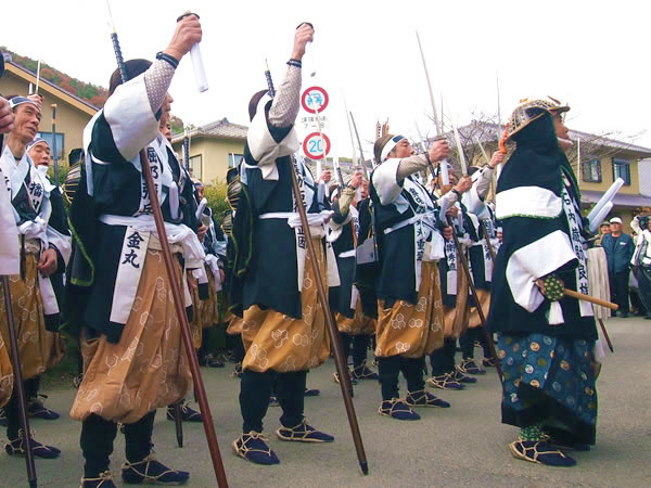 まいまい京都 【大石神社】年末の風物詩「山科義士まつり」四十七士が練り歩く!