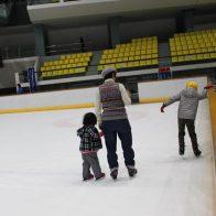 【京都アクアリーナ】 オリンピックを夢みて?! 京都府内唯一の屋内リンクでアイススケートを体験!