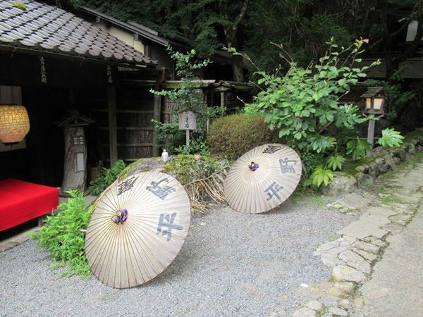 まいまい京都 【鳥居本】美味しいもん大好きマダムと、鳥居本の春を満喫食べ歩き