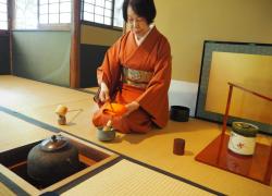 【茂庵の月釜】山の中に佇む、大正時代に建てられた風情のあるお茶室で過ごす、秋の京都の上質な時間。