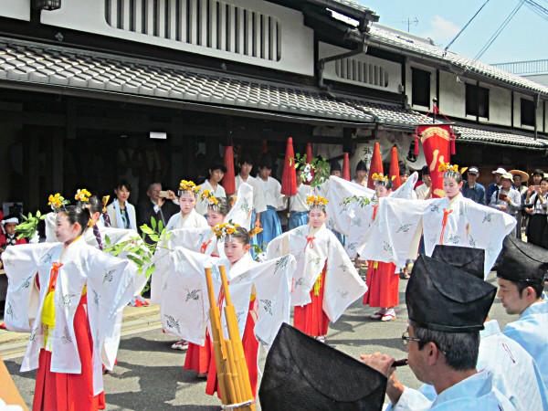 まいまい京都【今宮祭】元生糸問屋専務といく織屋街、絢爛な西陣の祭礼を拝見