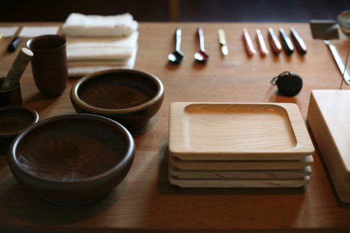 日本の伝統工芸品を厳選販売する職人.com、祇園祭前祭の宵山を前にした7/13(土)~7/15(月)に、職人.com三条ショールームの営業時間を20時まで延長。
