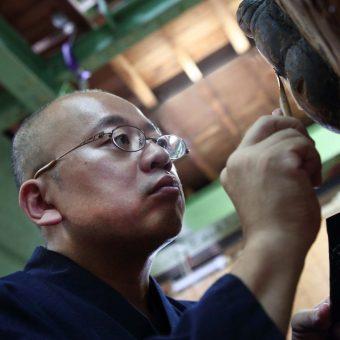 京都マナビアイ[御所西/彫刻体験] 御所西で伝統からドローン仏など斬新な仏像を彫る仏師が教える仏像の歴史と作り方・彫刻体験