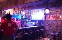 【Kowloon's Dimsum Club クーロンズ ディムサム クラブ】京都駅近くで、今話題の香港に行ってみた?!返還前の九龍を彷彿させる空間で、こだわりの中華に舌がうなる。