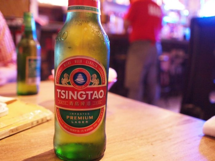 この空間に青島ビールも映えるんですわ。