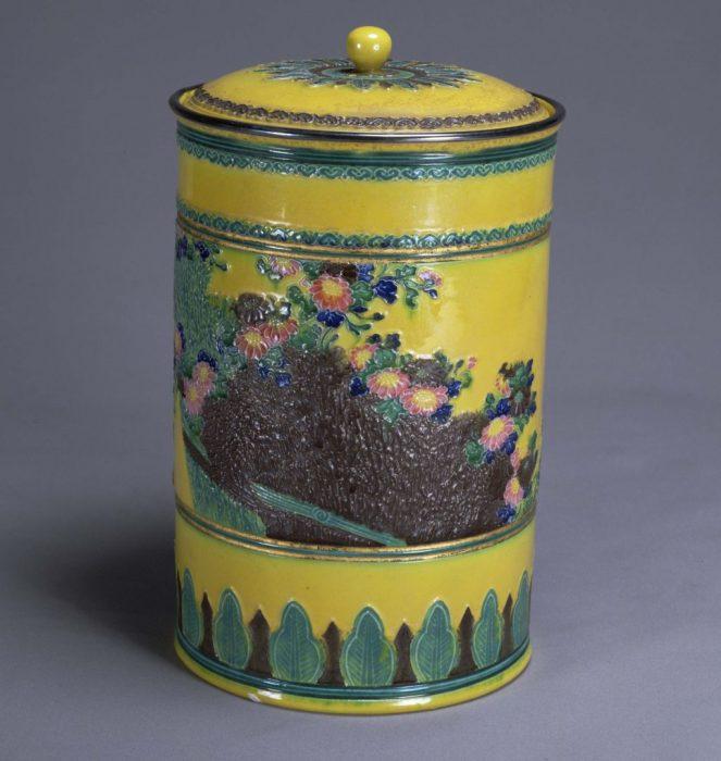 茶道資料館 新春展「近代の博覧会と茶の湯」 併設展「印籠-Inrō-の世界」