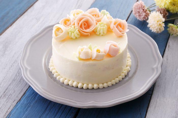 いつもの感謝をプレゼントに。華やかなフラワーケーキ作り